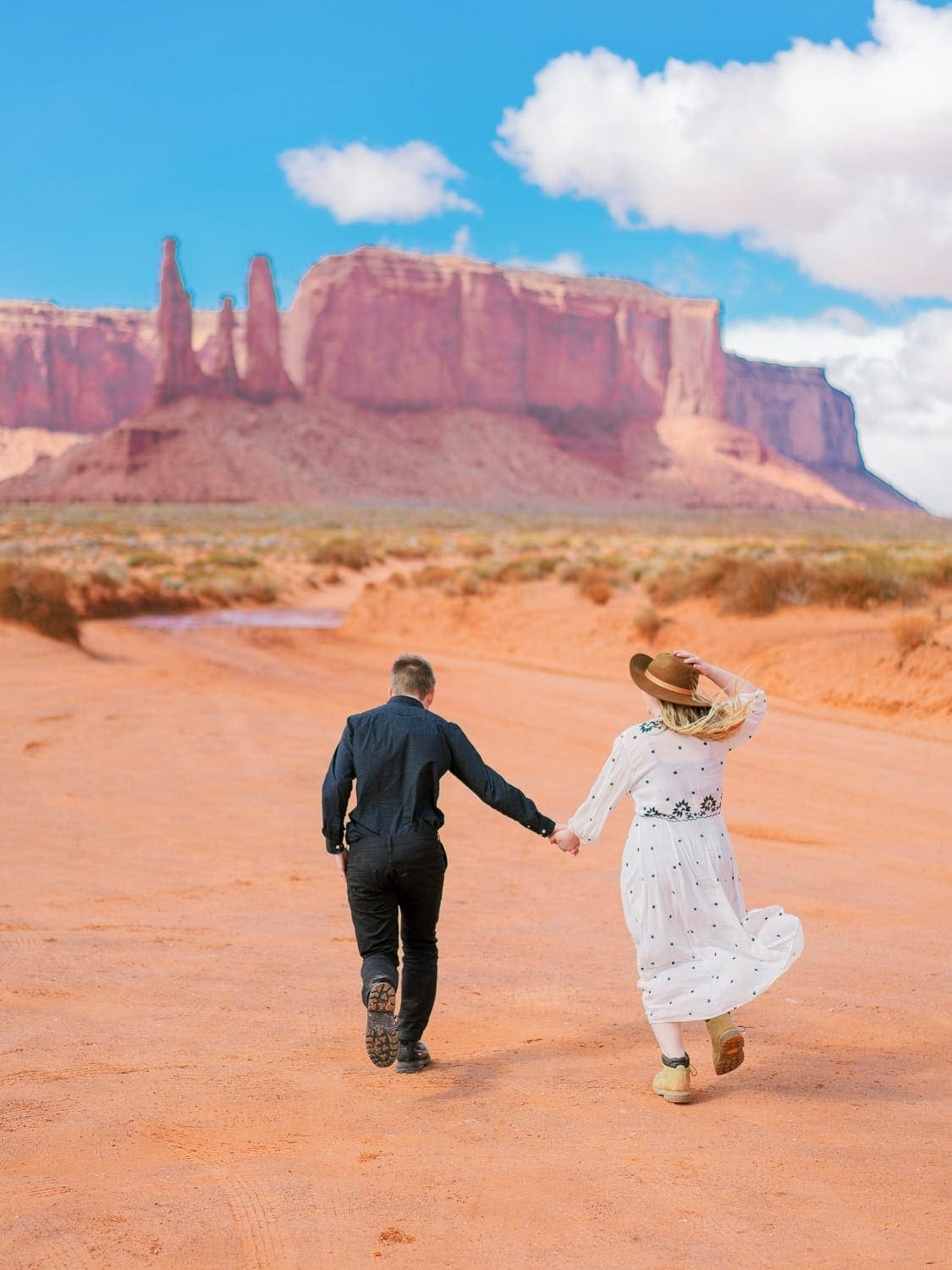 Elopement in Monument Valley Arizona