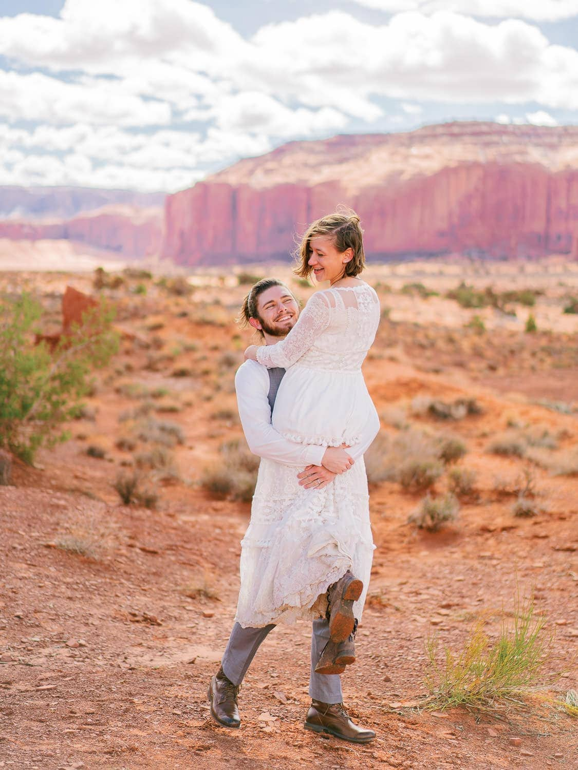 Monument-Valley-elopement-photographer-1