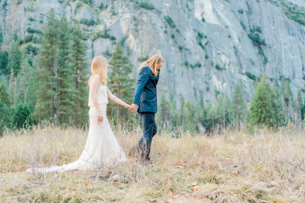 elopement photographer in Yosemite