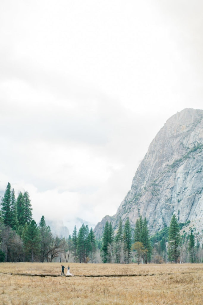wide angle photography of a couple in Yosemite Valley