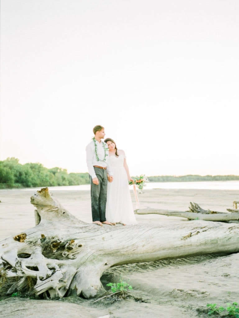 adventurous elopement at the Platte River in Nebraska