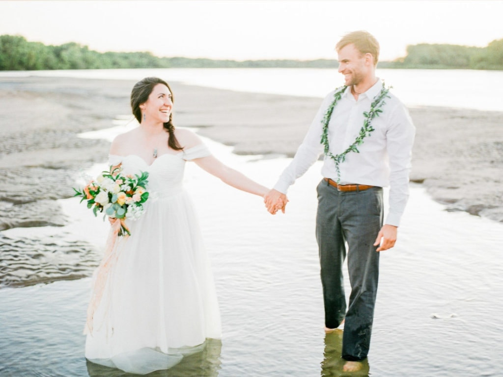 elopement at the Platte River in Nebraska