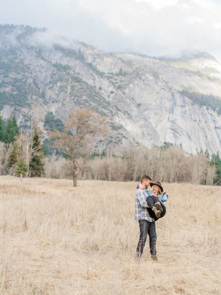 engagement session in Yosemite valley in California