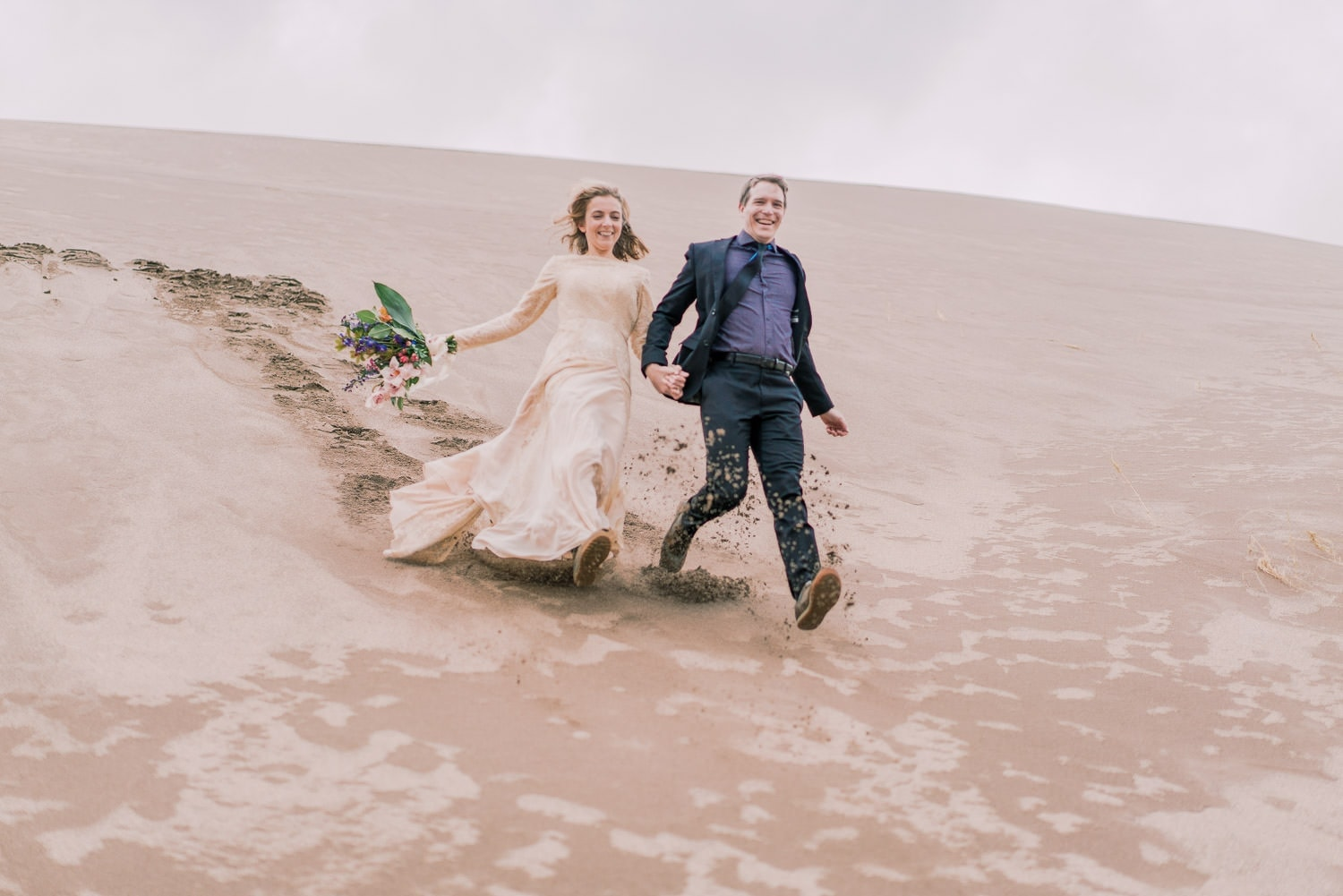 hiking elopement photographer in Colorado | Malachi at Shell Creek Photography
