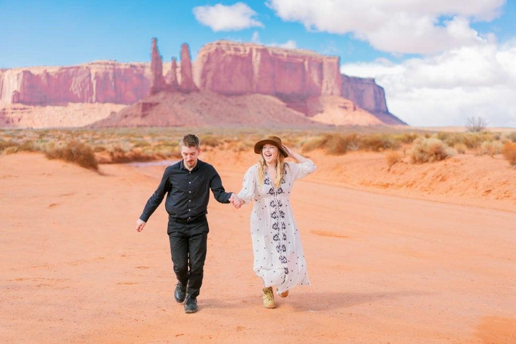 elopement in monument Valley in Utah