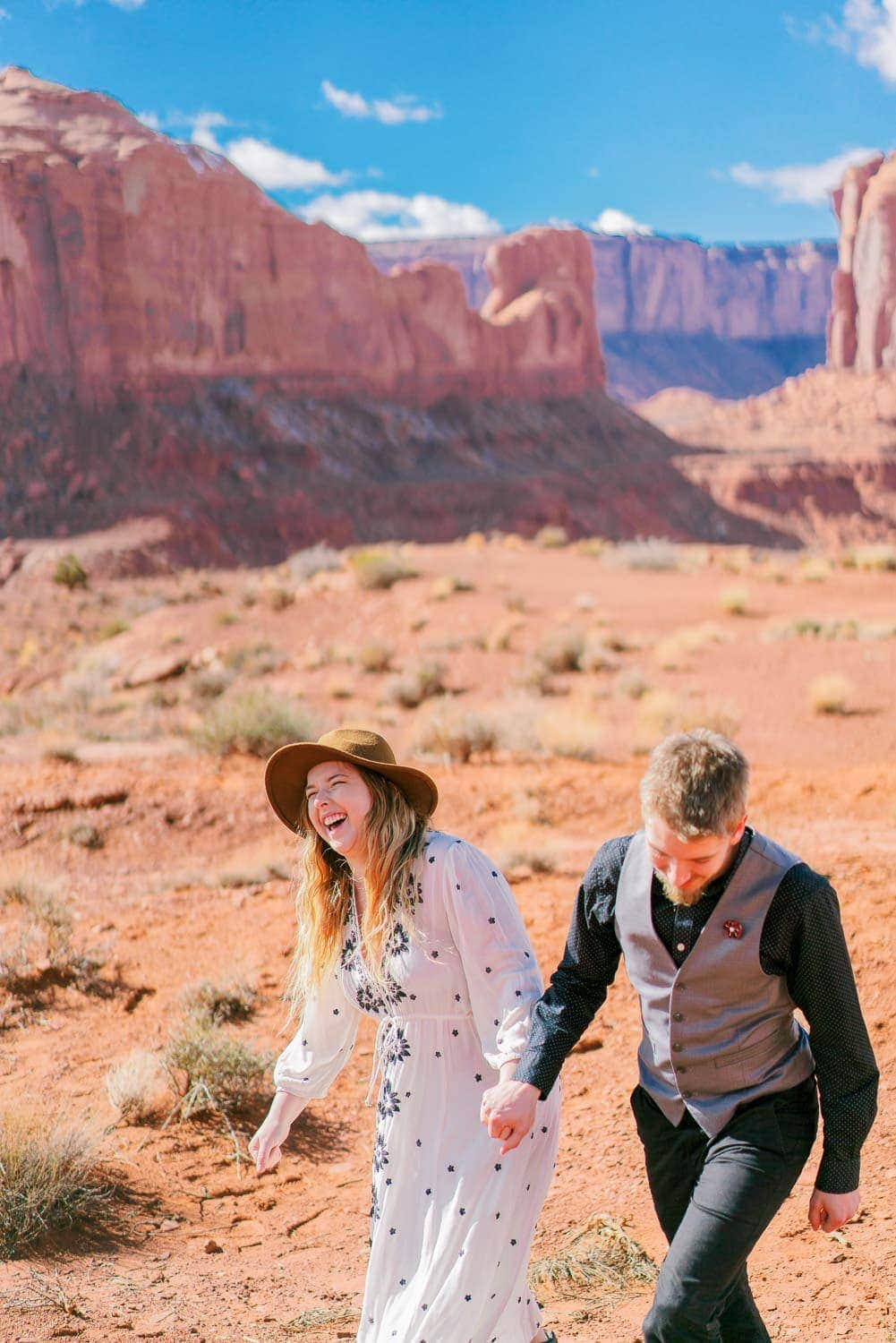 couple elopes in Moab, UT | Shell Creek Photography