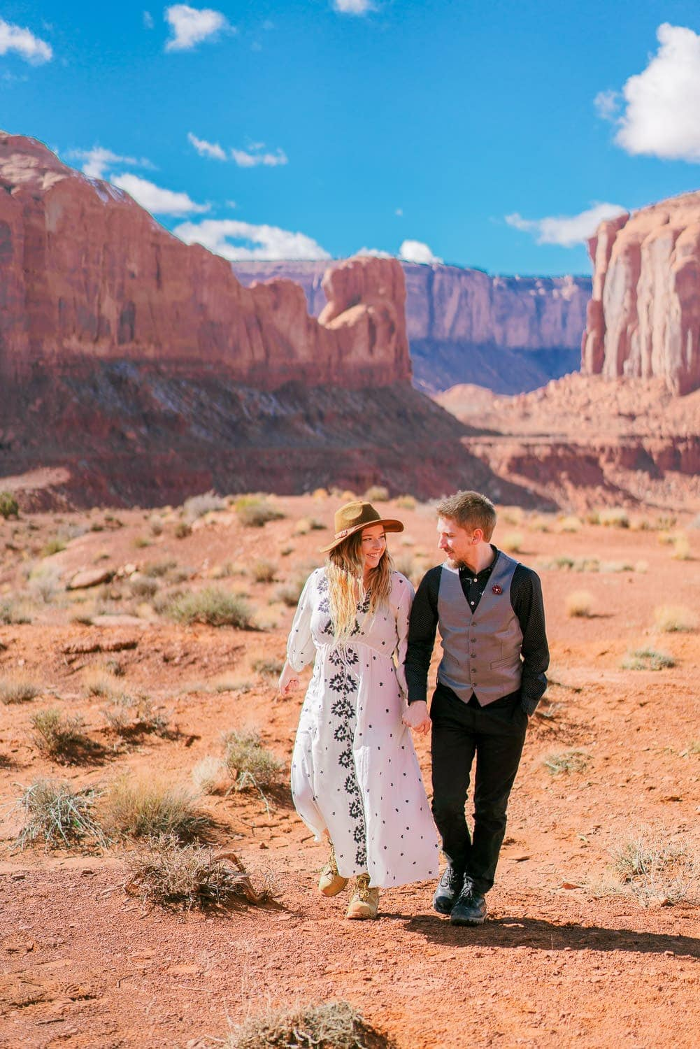 Christina & Jeremiah elope in Monument Valley