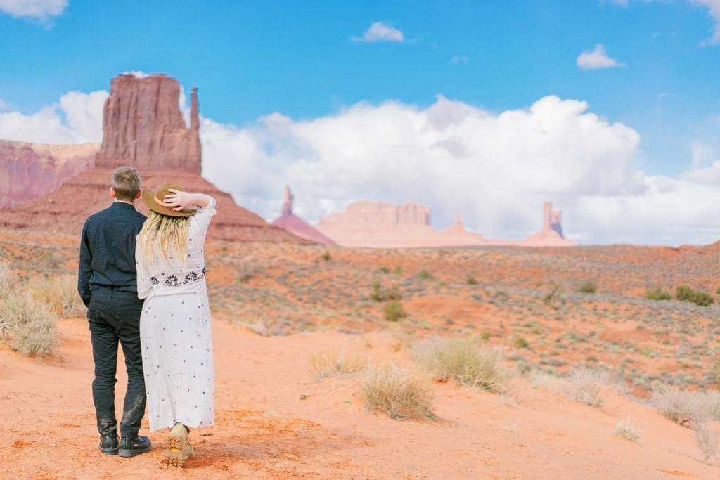 elopement photography in Monument Valley Arizona