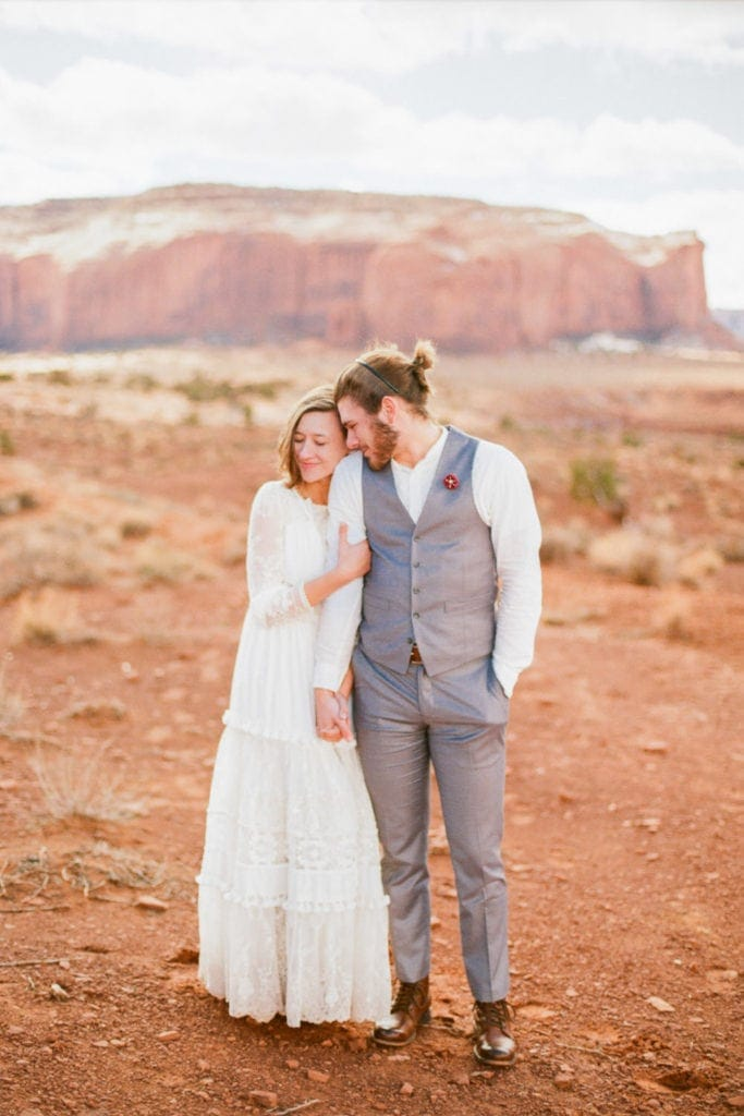 Monument Valley elopement in Utah and Arizona