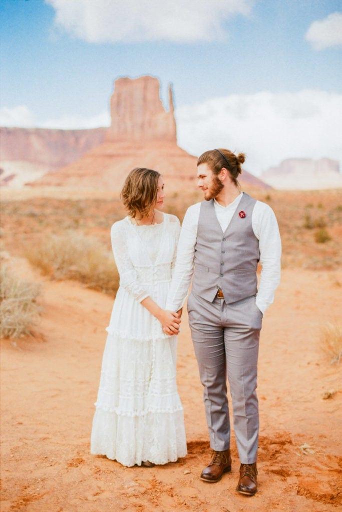 Arizona elopement in Monument Valley