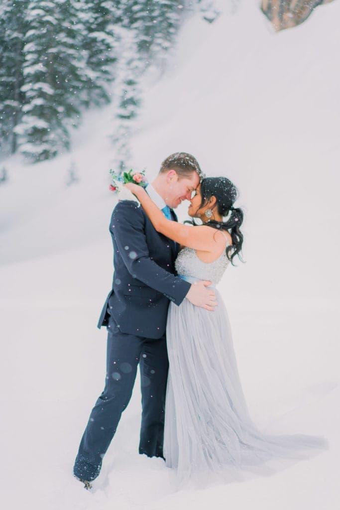 snowy elopement photography in Estes Park, Colorado
