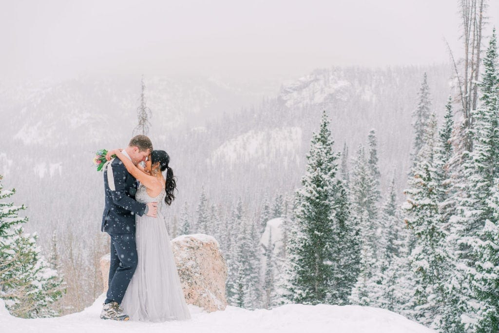 Colorado elopement photographer | Shell Cree Photography | snowy elopement in Rocky Mountain National Park near Estes Park, Colorado