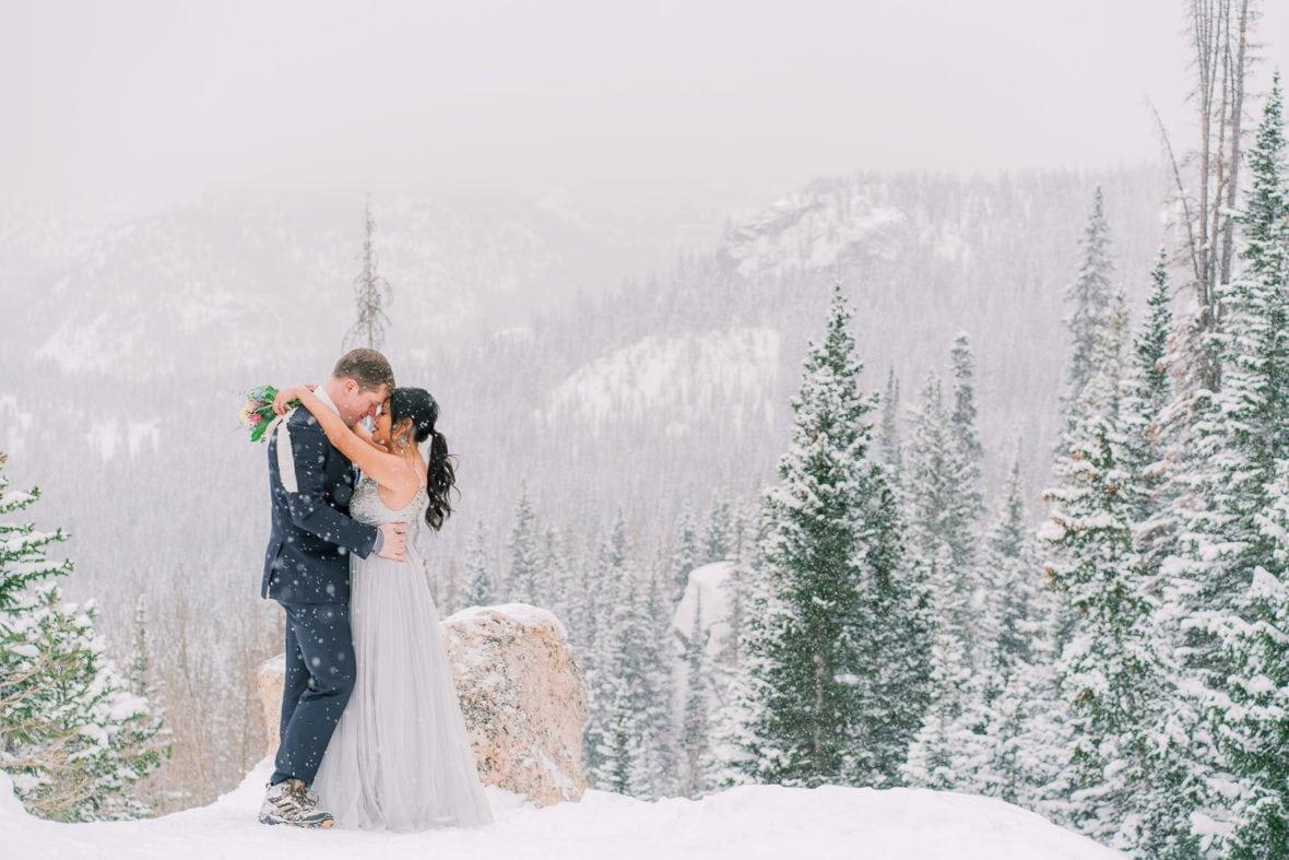 Colorado elopement photographer | Shell Cree Photography | snowy elopement in Rocky Mountain National Park near Estes Park, Colorado