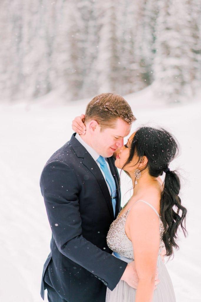 romantic elopement in winter in Estes Park