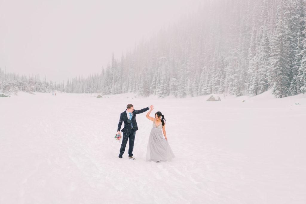 Colorado winter elopement in Estes Park