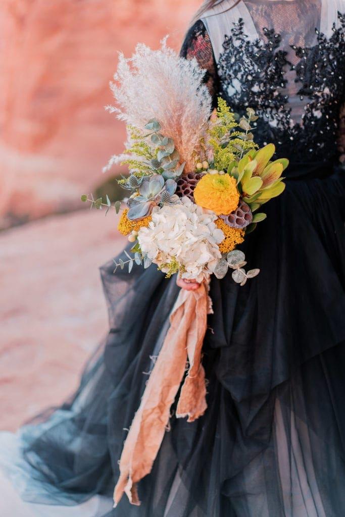 desert elopement bouquet