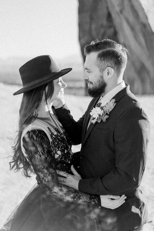 romantic elopement photography in Moab, Utah