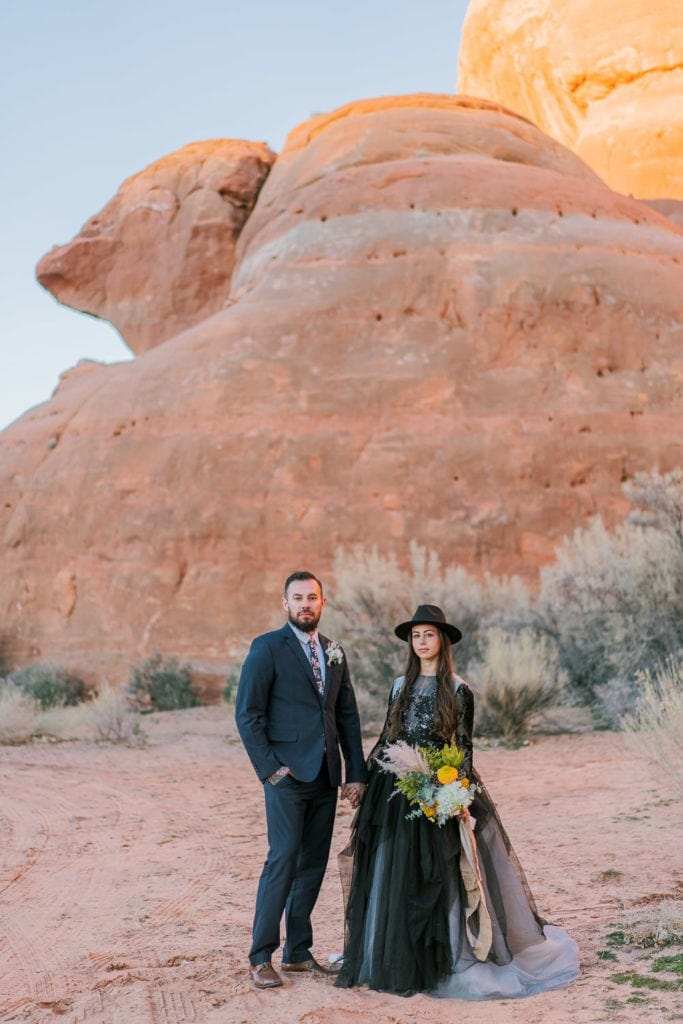 elopement photography in Moab during sunset