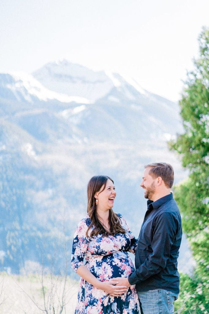 Telluride, Colorado maternity session in the mountains