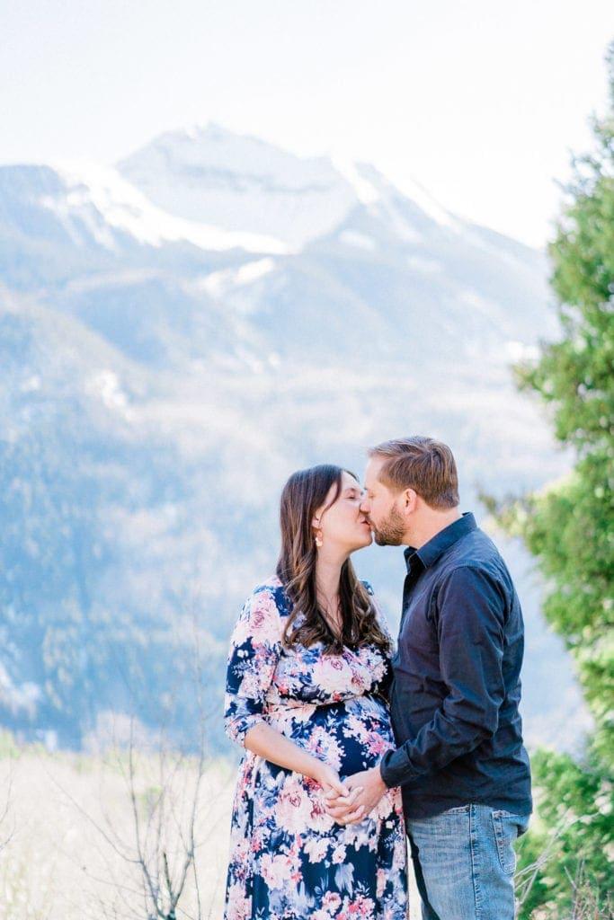 romantic couples photographer in Telluride, Colorado