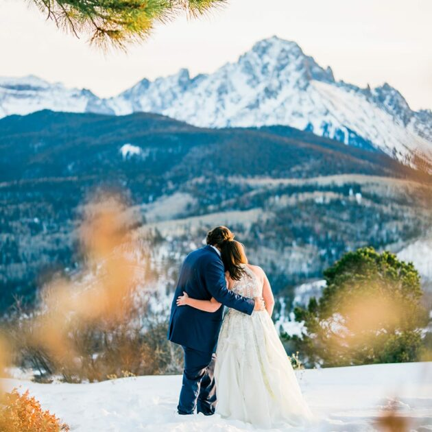 Colorado elopement in winter overlooking Mount Sneffels.